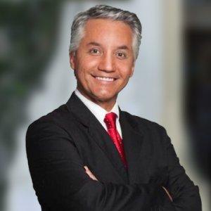 الدكتور لويس إيالا
