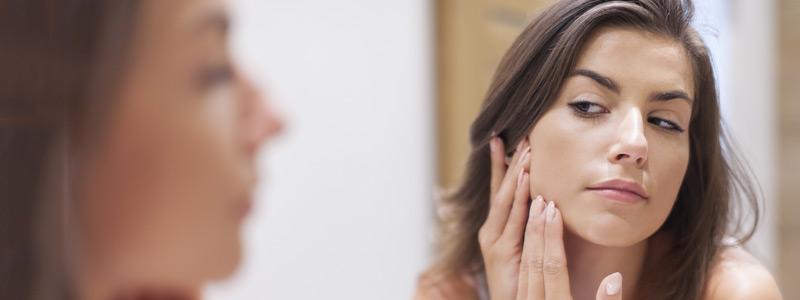 كيف تقلل التورم بعد شد الوجه-img