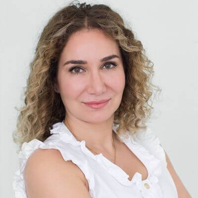 السيدة داليا صقر